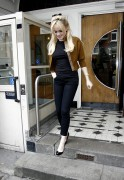 Nov 22, 2010 - Duffy - Out n About - Maida Vale Studios In London C29f68108235332
